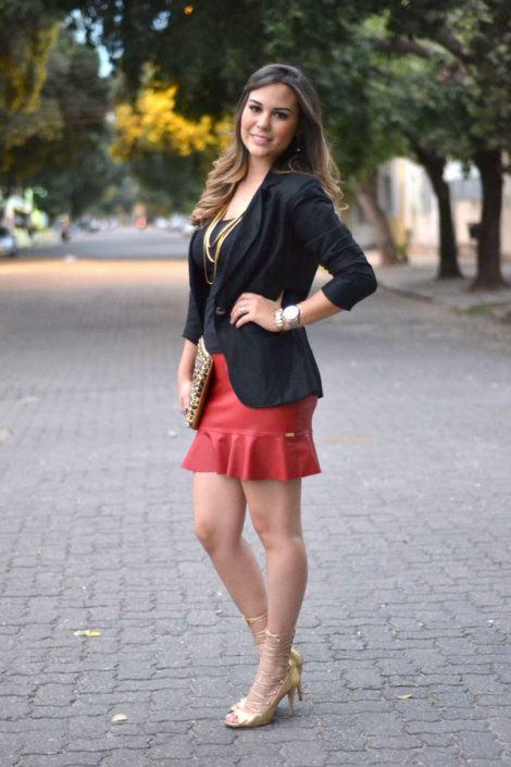 blazer com saia trompete 470x705 - BLAZER FEMININO, com saia, vestido ou calça está em alta