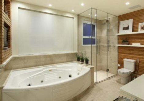 banheiro com banheira grande 470x329 - BANHEIROs COM BANHEIRA traz muito bem estar, confira modelos