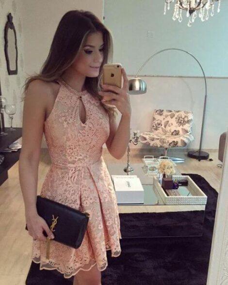 vestido de renda curto 1 470x588 - Vestido de RENDA CURTO , Veja como usar