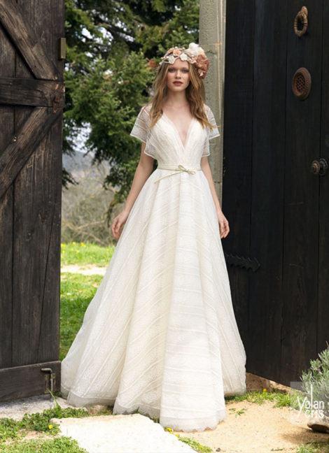 vestido de noiva longo simples 470x648 - VESTIDO DE NOIVA SIMPLES : Modelitos curtos e longos especiais