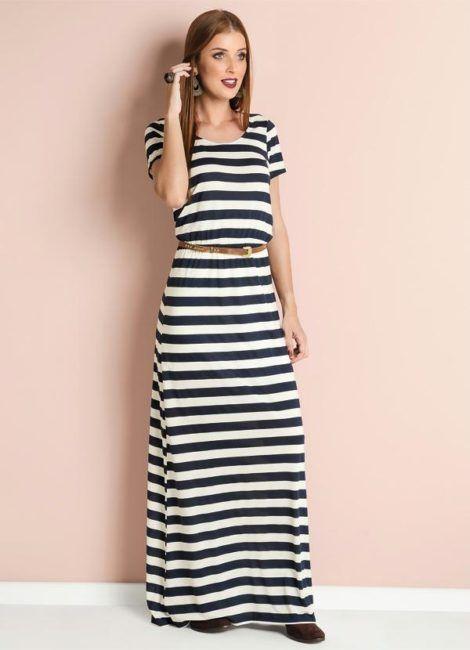 vestido longo listrado 1 470x650 - Vestido LONGO LISTRADO na moda com tênis branco ou sandália