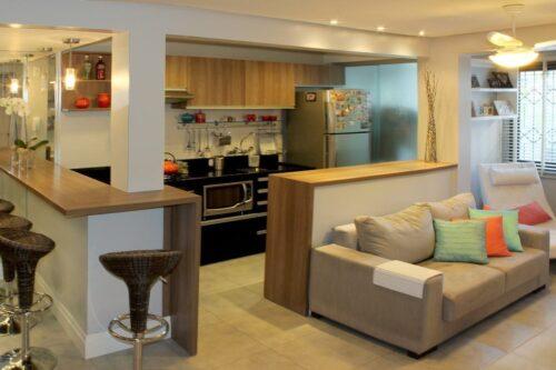 cozinhas para apartamento pequeno americana 500x333 - A mais belas cozinhas para apartamento pequeno, tudo com móveis planejados