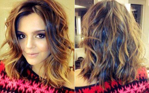dicas de cabelos lisos com mechas loiras 500x312 - Visual bem descolado com cabelos lisos com mechas loiras