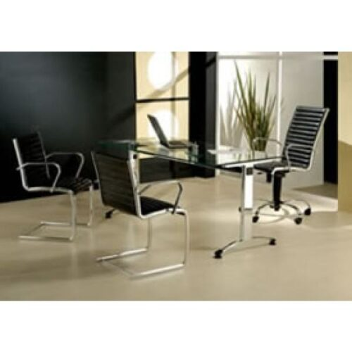 fotos de mesas de escritório de vidro 500x500 - Dicas para montar o local de trabalho com mesas de escritório de vidro