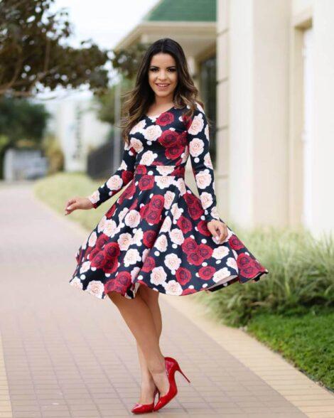 imagem 19 1 470x588 - Belos vestidos com ESTAMPA DE FLORES super lindos