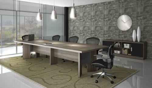mesas de escritório planejadas de renião 500x291 - Mesas de escritório planejadas para ambientes diversos