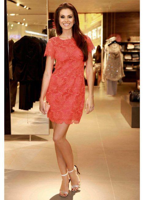 vestidos curtos de renda 7 470x651 - Vestidos CURTOS DE RENDA para sair a noite e para festas