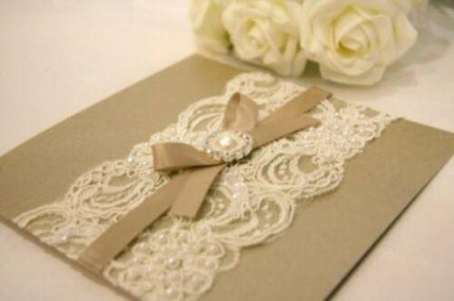 belos convites de casamento feitos a mão 500x331 - Modelos de Convites de casamento feitos a mão