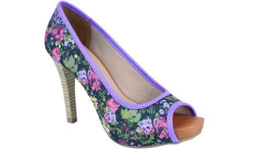 calçados com estampas florais 500x297 - Calçados com estampas florais lindos modelos com salto