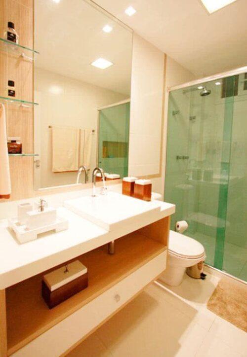 dicas de banheiros pequenos com porcelanato 500x724 - Banheiros pequenos com porcelanato dicas de construção e decoração