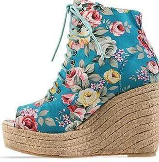 modernos calçados com estampas florais - Calçados com estampas florais lindos modelos com salto