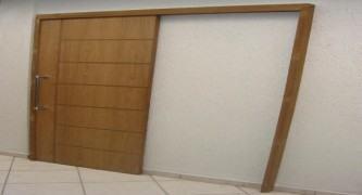 fotos de porta de madeira de correr