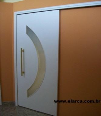 porta de madeira de correr branca