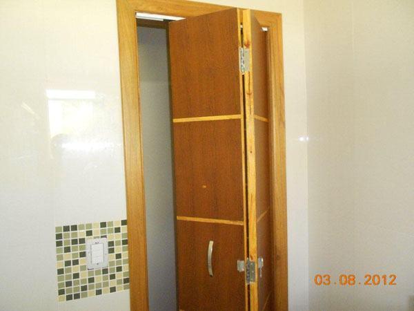 FIORI BENATO PORTAS (41) 3252-6974 Portas e rodapés