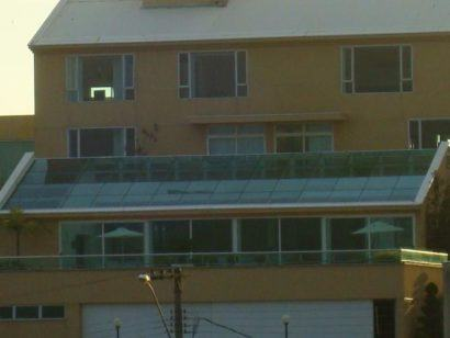como vedar telhado de vidro grande