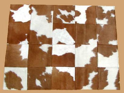 couro marrom tapete boi 410x307 - Decorando com Tapetes de pele de boi para sala