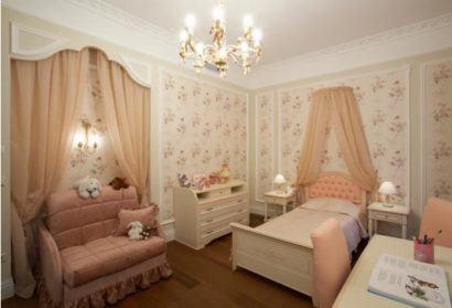 cortinas decorativas para quarto com cores claras