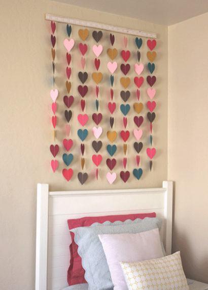 cortinas decorativas para quarto pequena com corações coloridos