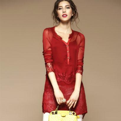 blusinhas femininas de seda vermelha com renda 410x410 - Blusinhas femininas de seda looks pra usar com saia e calça