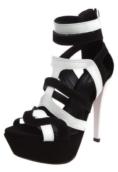sandalia com tiras alta e meia pata 410x594 - Sandálias de tiras altas Gladiadoras encantadoras