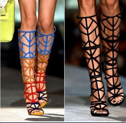 sandalias com tiras alta e salto fino 410x399 - Sandálias de tiras altas Gladiadoras encantadoras