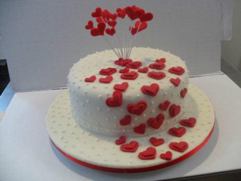 bolos de pasta americana para namorados 470x353 - BOLOS DE PASTA AMERICANA para aniversário ou casamento