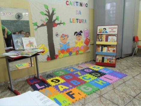 cantinho da leitura 5 470x353 - CANTINHO da leitura para crianças, na escola ou em casa, como fazer