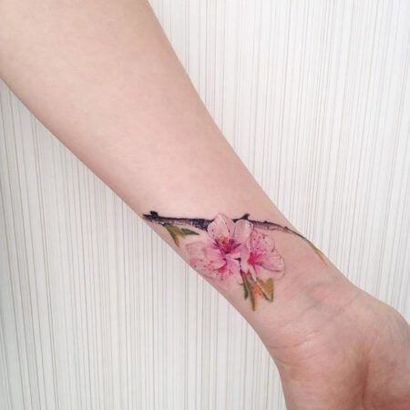 imagem 26 1 - Tatuagens de Flores com Galhos e partes do Corpo