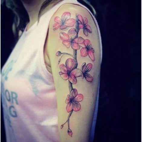 imagem 27 1 470x470 - Tatuagens de Flores com Galhos e partes do Corpo