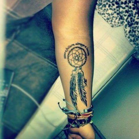 imagem 29 2 470x470 - Tatuagem Feminina no Braço, no Pulso, Ideias em Desenhos