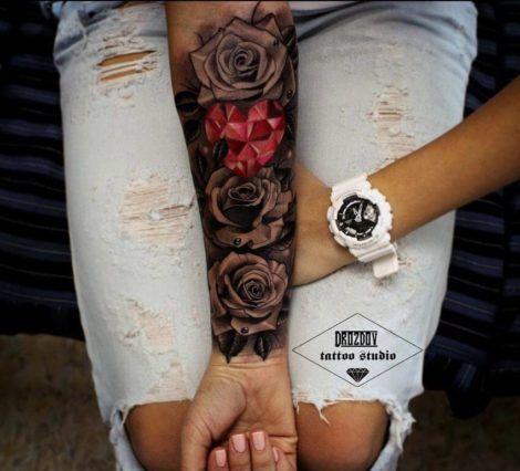 imagem 5 8 470x426 - Tatuagem Feminina no Braço, no Pulso, Ideias em Desenhos