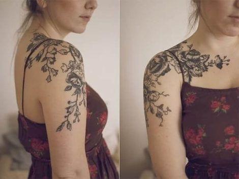 tatuagem de flores com galhos no ombro 1 470x353 - Tatuagens de Flores com Galhos e partes do Corpo